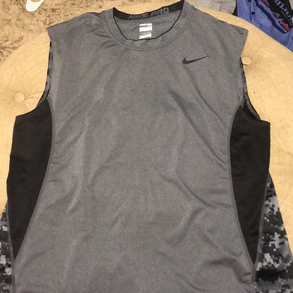 3af2b9ebc413d Nike Pro Fitted sleeveless training shirt. M 5a6c11d1a44dbedf58294414
